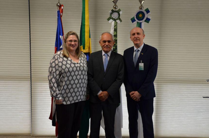 PREFEITA DE RONCADOR E PRESIDENTE DA CNM VÃO A BRASÍLIA PEDIR APOIO DO CONGRESSO
