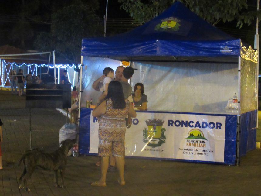 AUTO DE NATAL ENCANTA PÚBLICO NA PRAÇA MOYSÉS LUPION