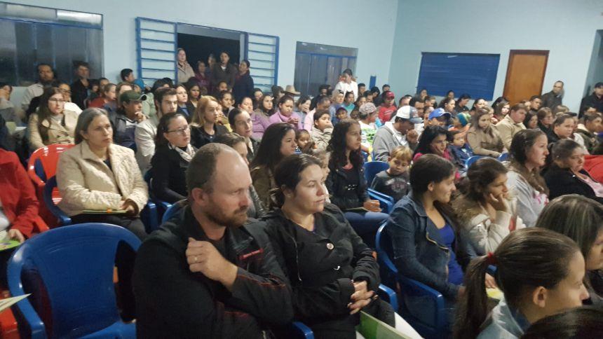REDE MUNICIPAL DE EDUCAÇÃO RECEBE MATERIAIS DIDÁTICOS