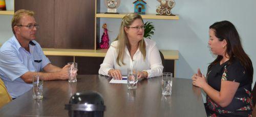 Prefeita de Roncador recepciona Embaixatriz da Ucrânia