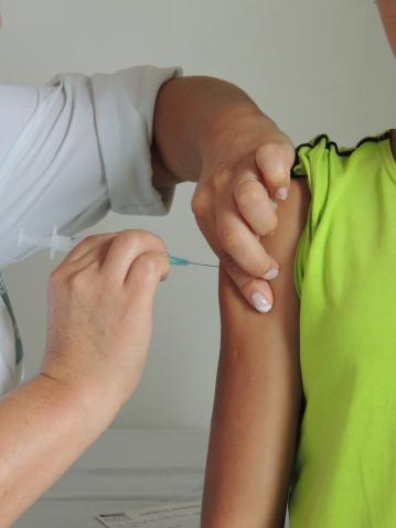 220 meninas entre 11 e 14 anos já foram vacinadas contra o HPV em Curiúva