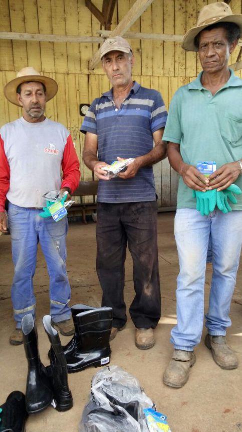 Funcionários da Prefeitura recebem EPI′s
