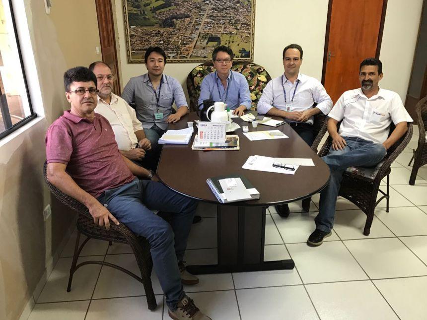 Prefeito se reúne com representantes da Sanepar