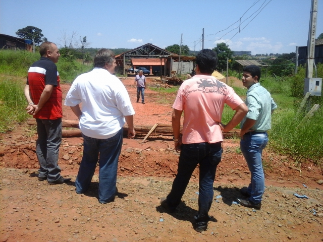 Empresários buscam apoio junto à administração para instalação de nova empresa em Curiúva