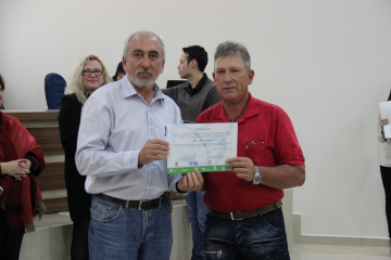 49 curiuvenses são certificados pelo curso Bom Negócio Paraná