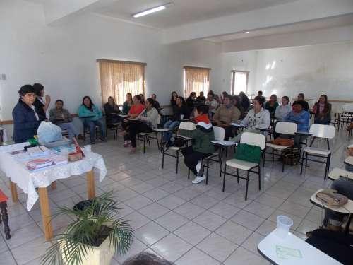 Formação capacita líderes da pastoral da criança e profissionais da saúde para atendimento a gestantes e puérperas