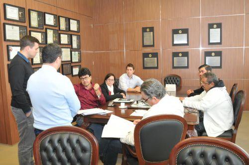 Prefeito de Curiúva solicita apoio estadual para projetos habitacionais