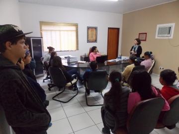 Alunos do Colégio Estadual Gabriel Rosas visitam a Prefeitura Municipal