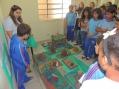 Alunos da E.M. Boa Vista expõem trabalho com argila e visitam o gabinete do prefeito