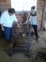 Poder público apoia empreendimento para produção artesanal de cadeiras
