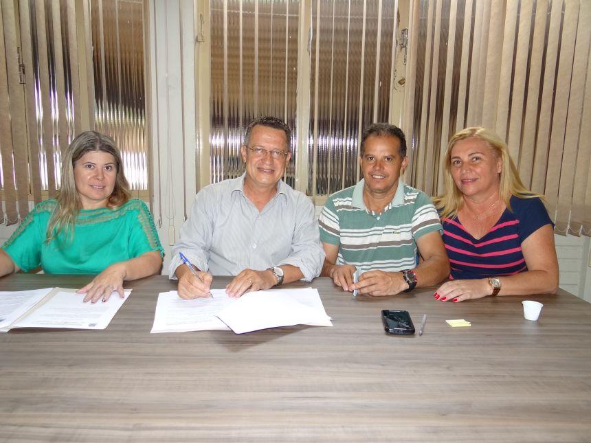 Prefeitura renova convênios para repasses ao Lar Carlinhos