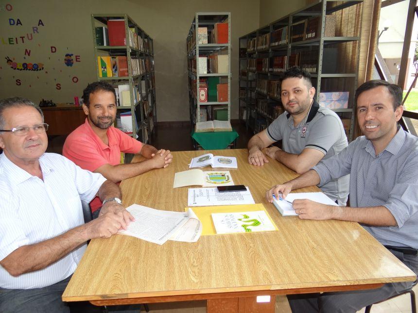 Comissão discute revisão dos símbolos de Peabiru