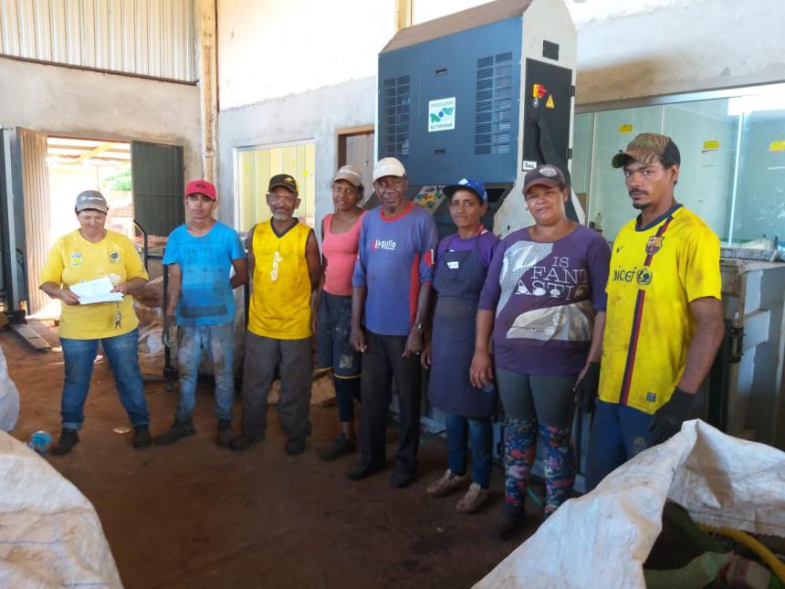 Associação dos Amigos Recicladores de Peabiru recebe novos associados