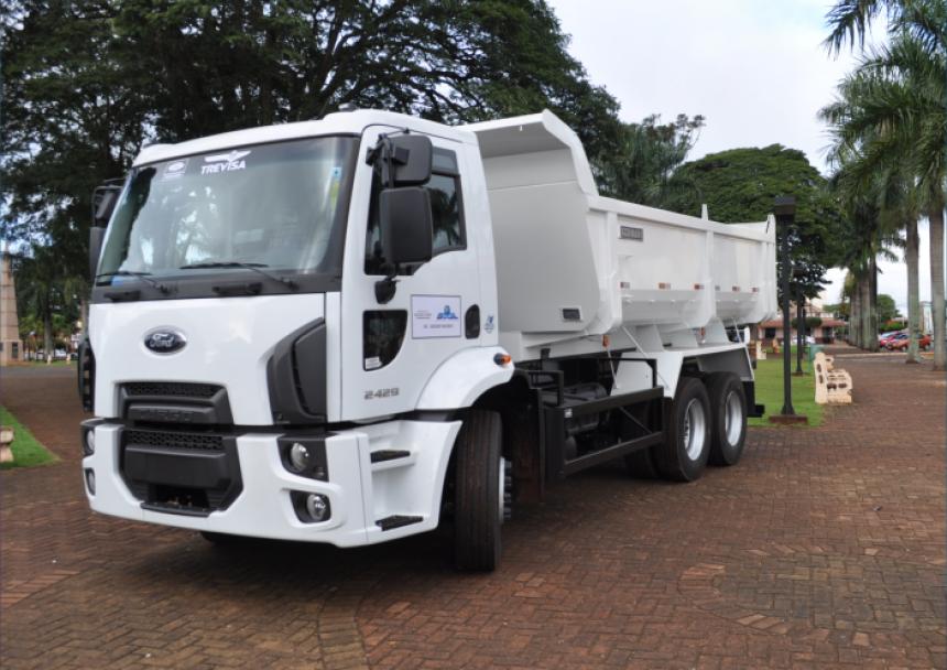 Prefeitura Municipal faz aquisição de um novo caminhão