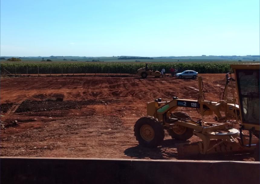 Prefeitura faz adequação do terreno do Aterro Sanitário