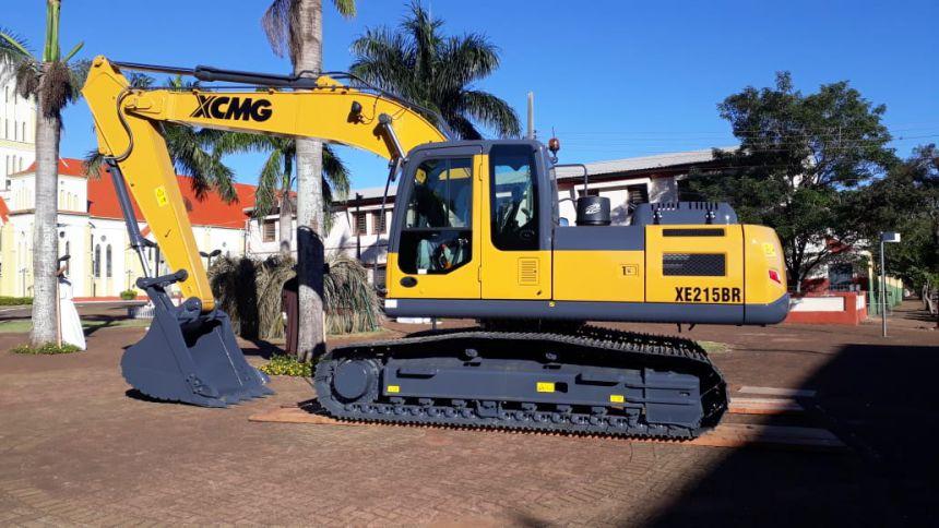 Prefeitura adquiri uma Escavadeira Hidráulica