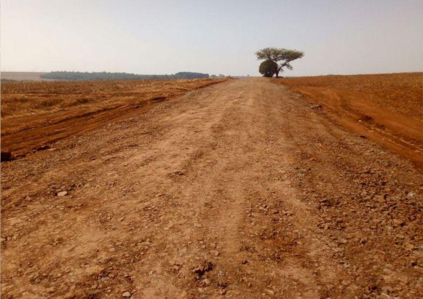 Prefeitura realiza mais melhorias nas estradas rurais