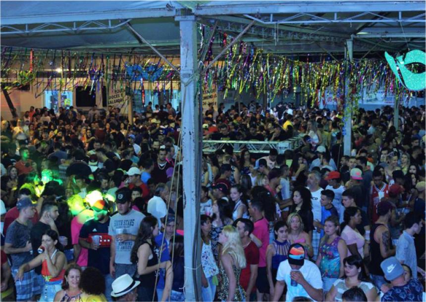 Carnaval aqueceu o comércio local com aproximadamente 500 mil reais