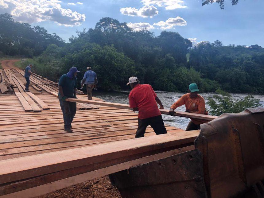 Mais duas pontes recebem manutenções