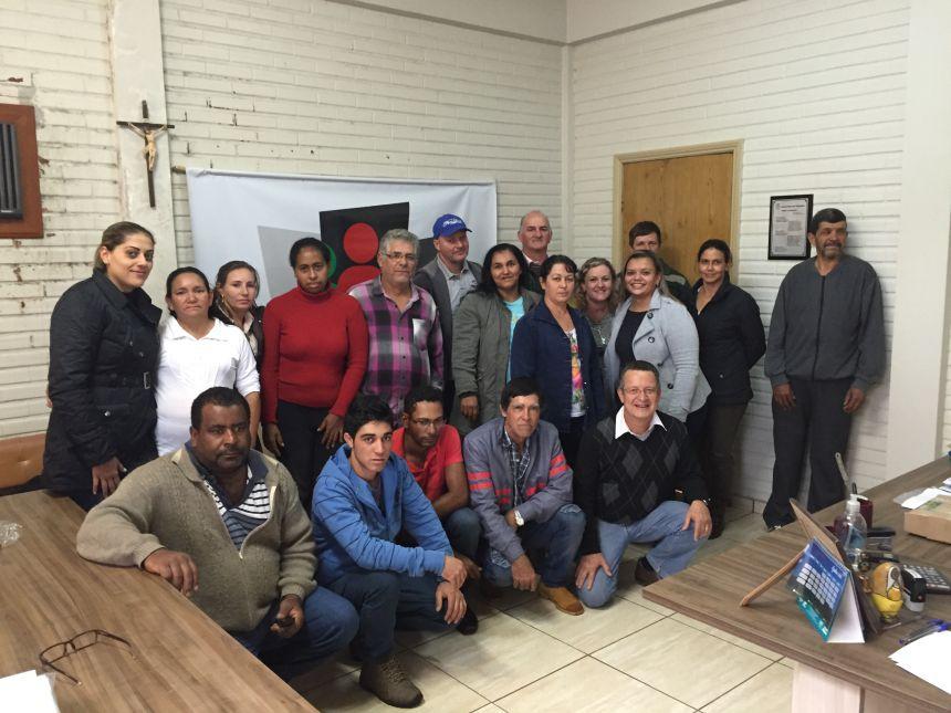 Peabiru assina contrato para merenda escolar com produtores locais