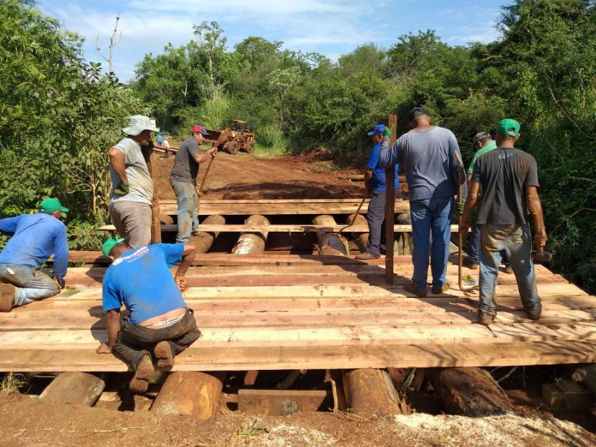 Ponte é reformada nas proximidades da Colônia Mineira