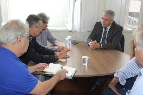 Prefeito apresenta demandas para secretário estadual do Esporte e do Turismo