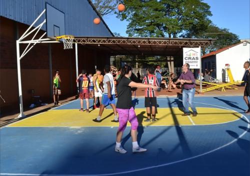 Prefeito inaugura Complexo Esportivo Claudio Iamagamin
