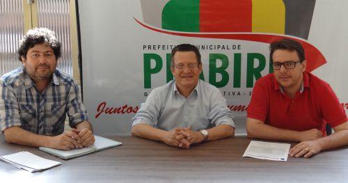 Arquiteto Marcos Silveira, prefeito Claudinei Minchio e o empresário Rodrigo Casali.