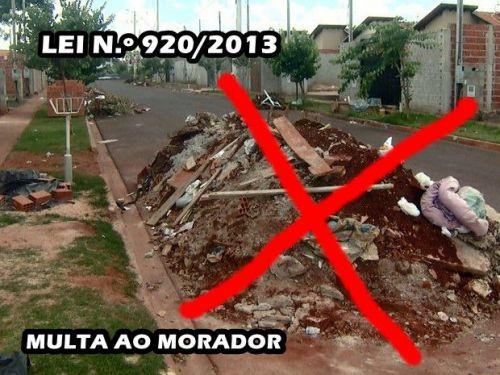 ENTULHO E LIXO NA CALÇADA E RUA GERARÁ MULTA