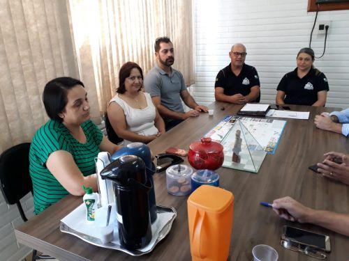 CONSEG, Polícia Militar e civil se reúnem no Gabinete do Prefeito Julio Frare