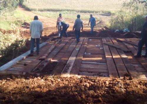 Prefeitura realiza reforma de mais uma ponte rural