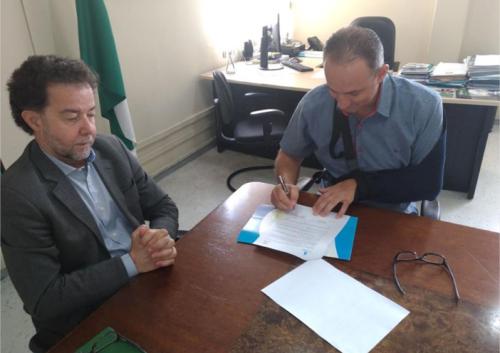 O Prefeito Julio Frare está em Curitiba e assinou hoje a tarde um convênio