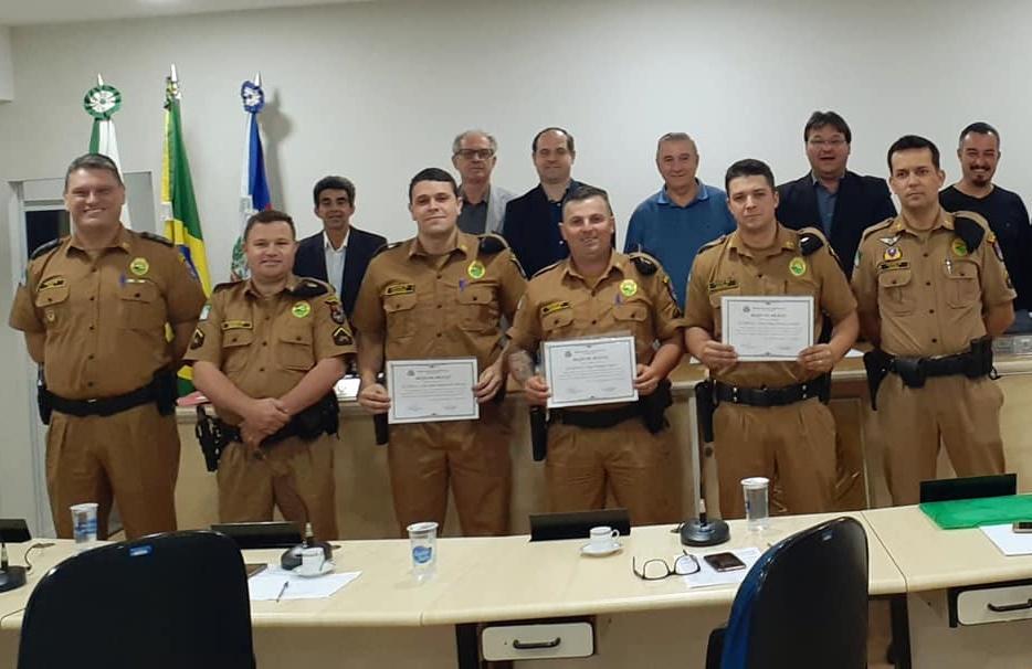 MOÇÃO DE APLAUSO AOS POLICIAIS MILITARES