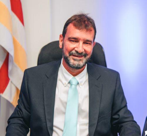 Nilton José de Castro