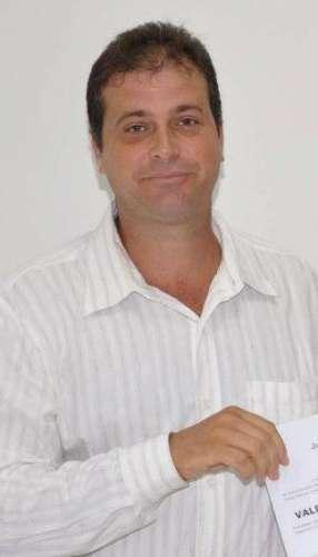 Valdeci Farias de Oliveira