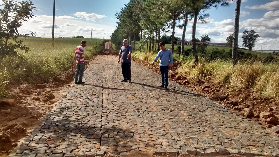 Caminho das Pedras - Pavimenta��o Rural