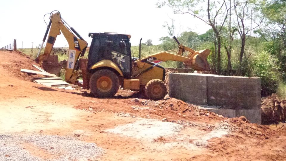 Reconstrução da Ponte do Rio Água Limpa...