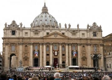 """Francisco canoniza os dois Joões que """"venceram as tragédias do século 20""""..."""
