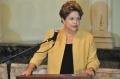 Metade dos brasileiros aprova Dilma, mas só 35% votariam nela...;