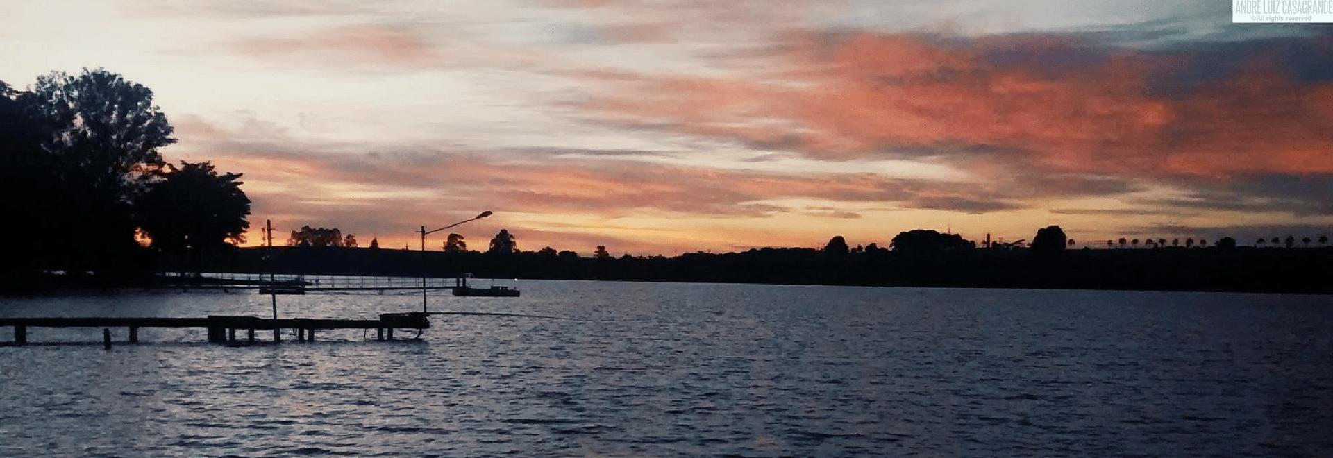 Vista para o rio (Noite)
