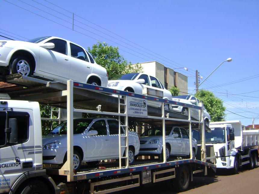 Aquisição de cinco veículos e um caminhão