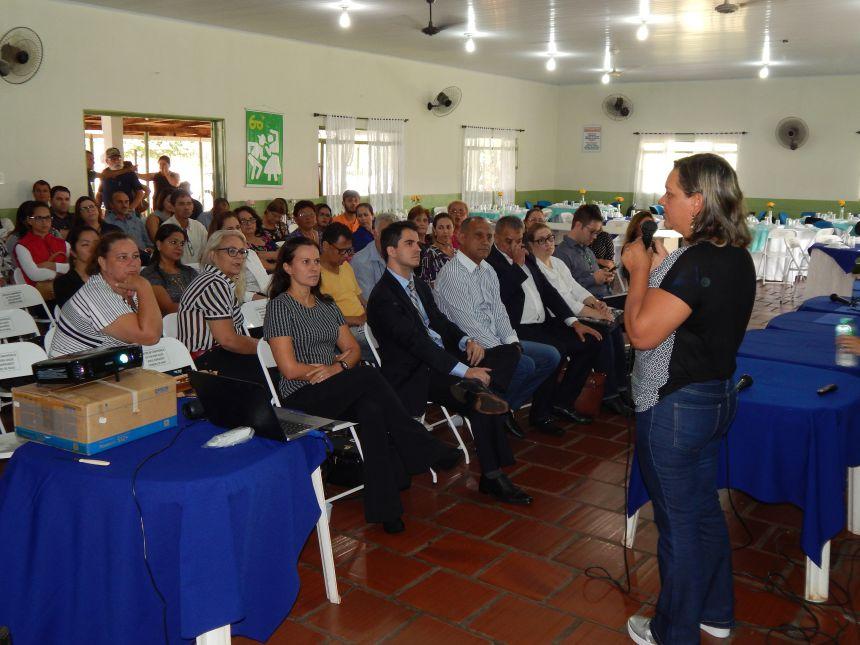 PRIMEIRO DE MAIO SEDIA 3º ENCONTRO DE CAPACITAÇÃO DE CONSELHEIROS MUNICIPAIS DE SAÚDE