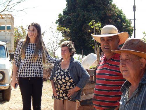PRIMEIRO DE MAIO AVANÇA NA RECUPERAÇÃO DE ESTRADAS RURAIS