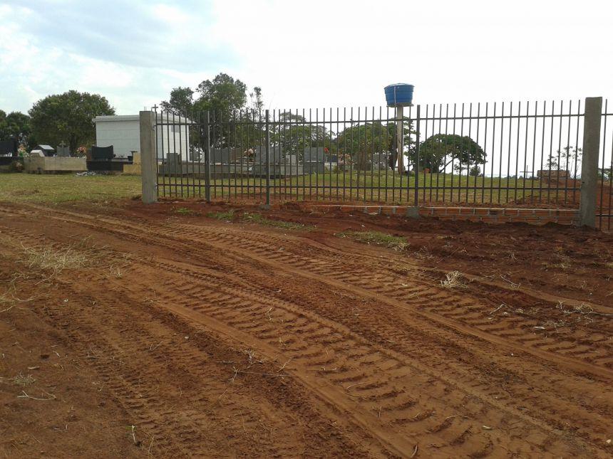 Construção do Portão do Cemitério