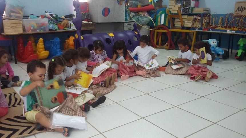 """PROJETO: """"BOLSA DE LEITURA"""" / CENTRO MUNICIPAL DE EDUCAÇÃO INFANTIL  """"CIRANDINHA"""""""