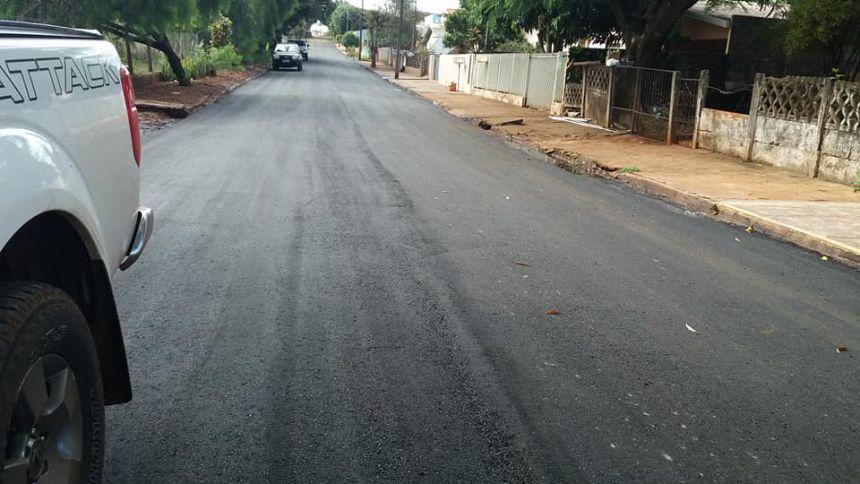 As obras de pavimentação da nossa cidade continua em progresso. Os moradores da Rua Ivaiporã estão sendo Beneficiados com essa conquista. Nós Vereadores, gradecemos em nome da comunidade ao executivo na pessoa do nobre P