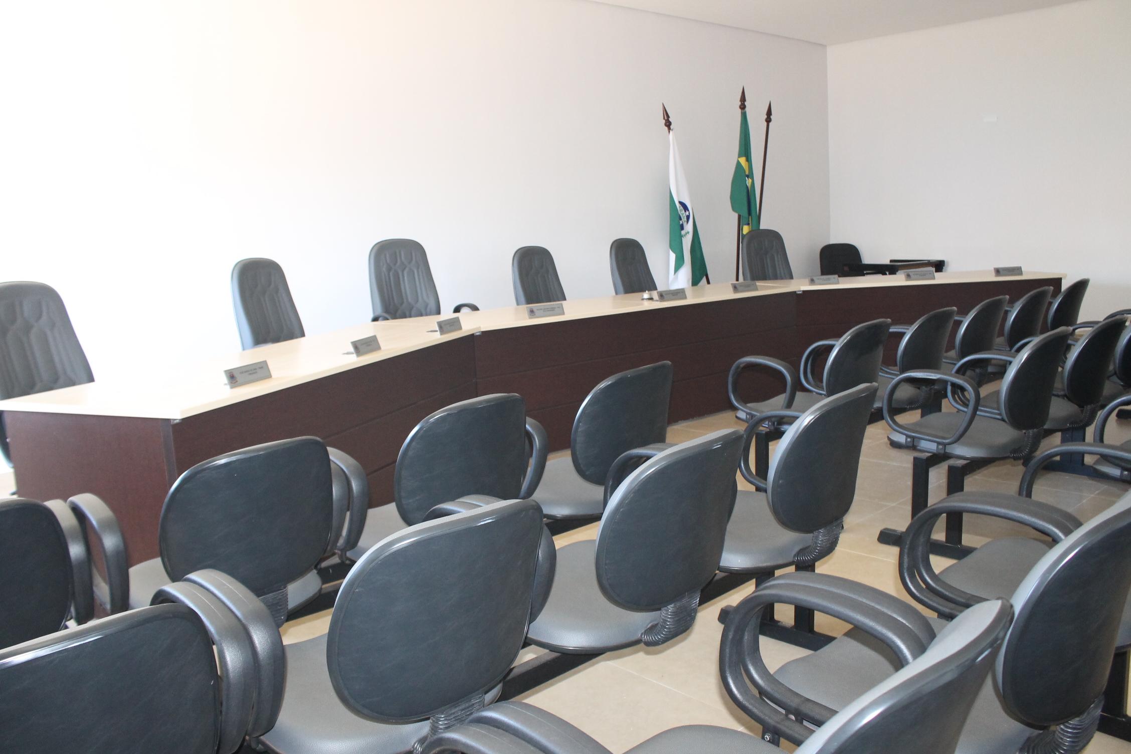 Vereadores e Vereadoras se preparam para retomarem as atividades de reuniões hoje à noite.