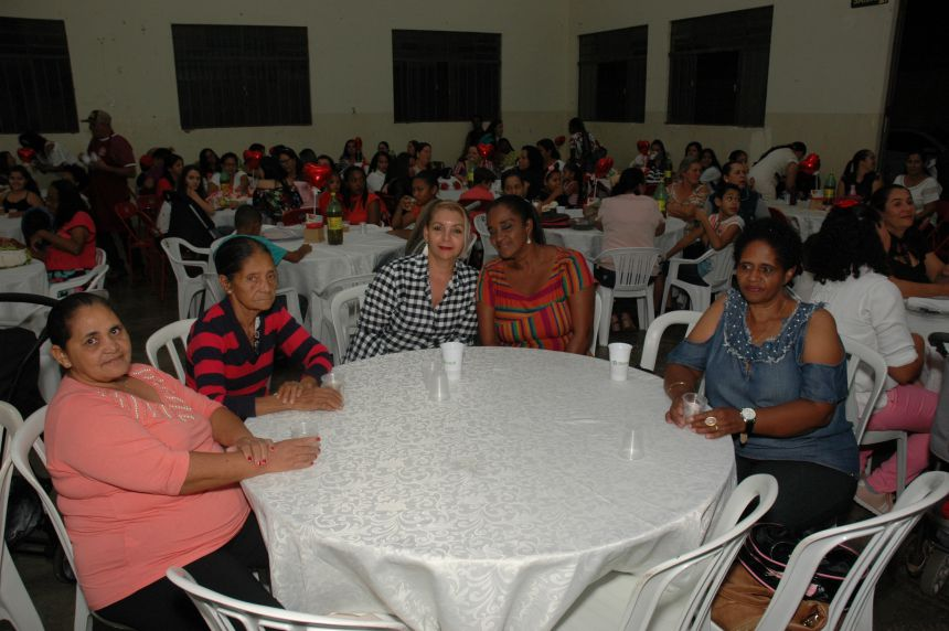 Prefeitura promove jantar em comemoração ao Dia das Mães