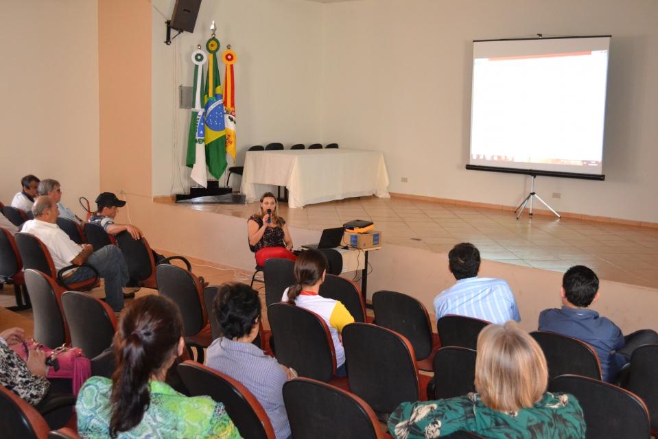 """A Casa da Cultura """"Diva Vogas dos Santos&rdq"""