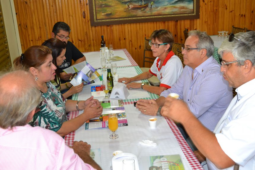 SANTA MARIANA PROMOVE TURISMO LOCAL